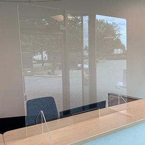 Plexiglass-Barriers-Free-Standing